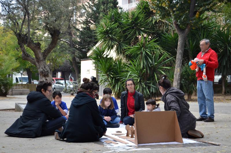 Tallers a la plaça_Fem dissabte a la Plaça d'en Baró_Equal Saree_1