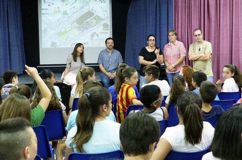 Tallers a l'escola_Fem dissabte a la Plaça d'en Baró_Equal Saree_07